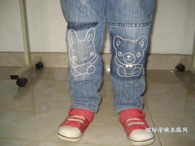 牛仔裤的膝盖磨破口子能用别的布拼接补上去吗?