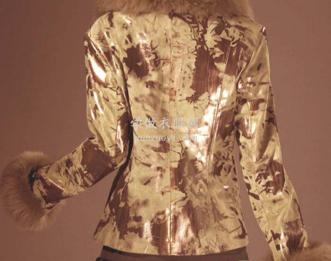柔软结实的仿皮革面料很象真皮,用来缝纫制作皮衣皮包/皮裤皮裙