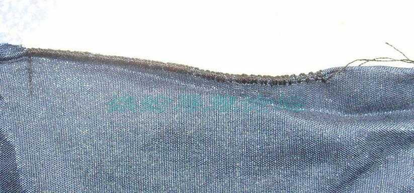 家用缝纫机的四步锁扣眼线迹做密拷边
