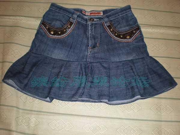 旧牛仔裤变迷你裙