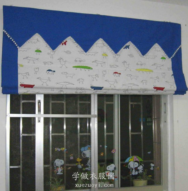 自己做的窗帘,折叠式罗马帘和白色布帘