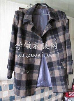 做了件不对称大格子羊绒呢面料的男上装短大衣
