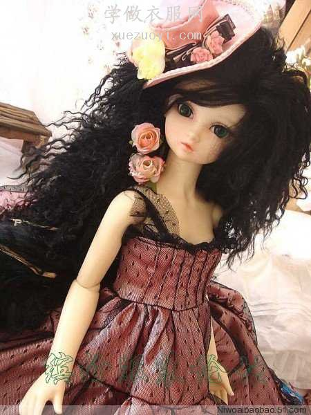 显摆一下自己做的娃娃衣服,多褶裙子做了几个小时
